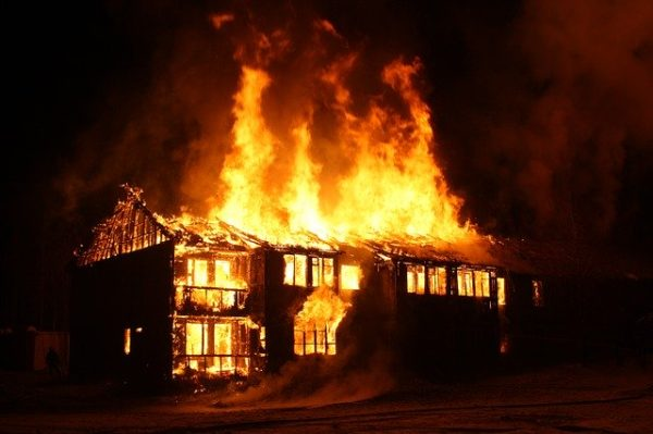 発火や火事には充分注意すること