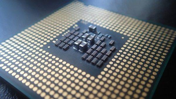 CPUの向きの確認、接触不良
