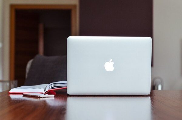 MacBook Pro 100Wも充電可能!